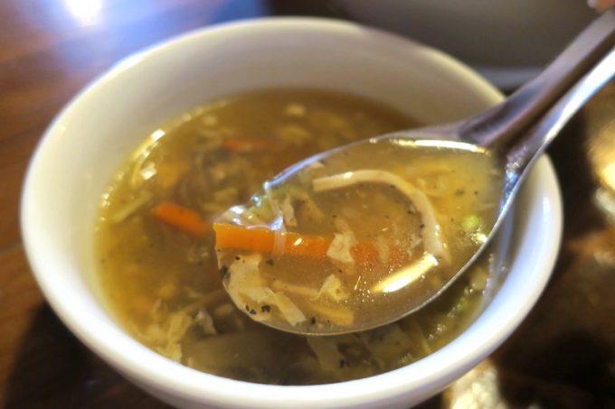 ランチのスープは酸辣湯。