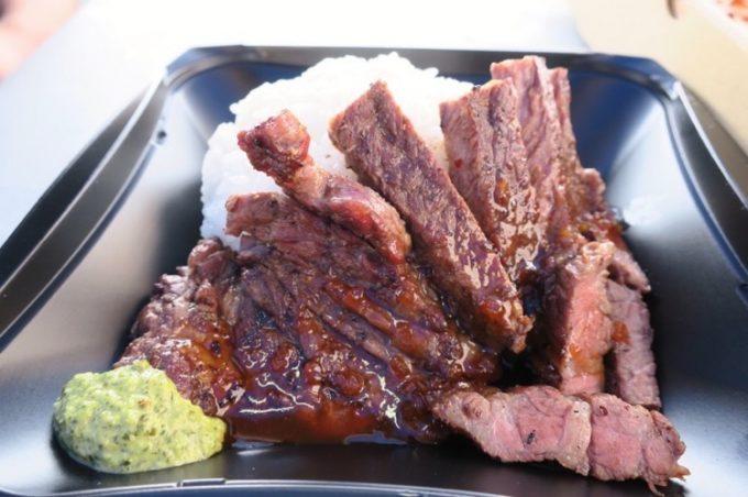 オクマビーチフェストに出店していたWMD BBQのアンガスビーフステーキ(1000円)