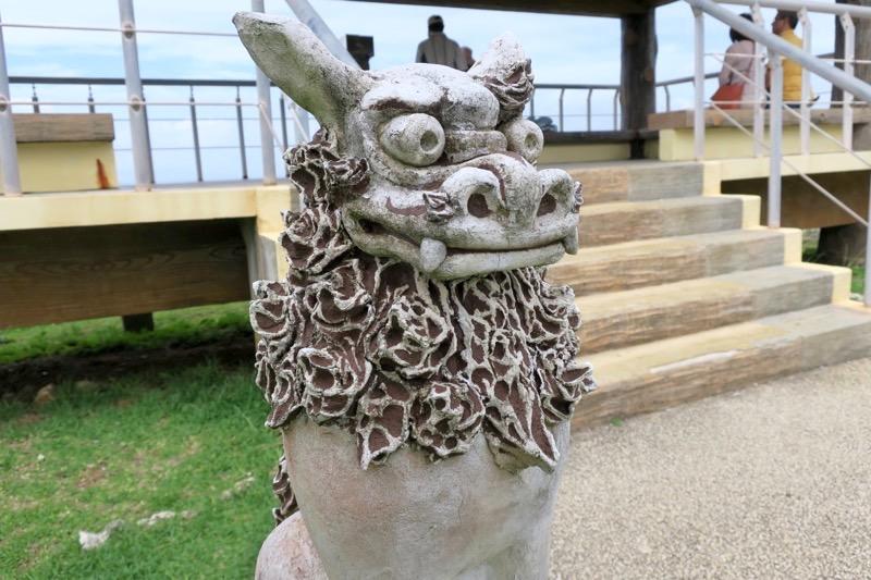 真栄田岬のシーサー