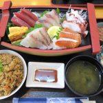 「魚屋直営食堂 魚まる」のお刺身定食(1000円)、ごはんをジューシーに変更(+100円)