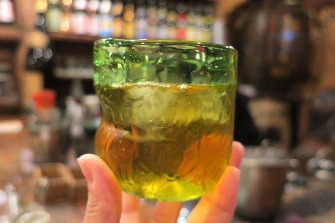 那覇・栄町「古酒と琉球料理 うりずん」のサンピン茶(324円)