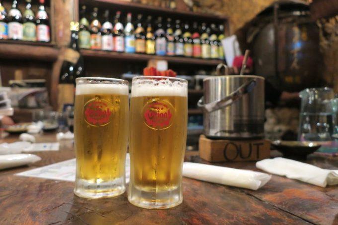 那覇・栄町「古酒と琉球料理 うりずん」のオリオンビール(1杯648円)