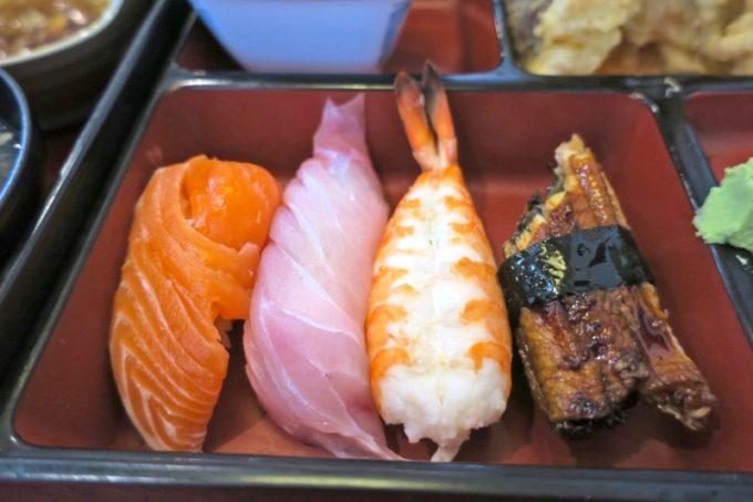 天麩羅御膳についてきた握り寿司4貫がデカい。