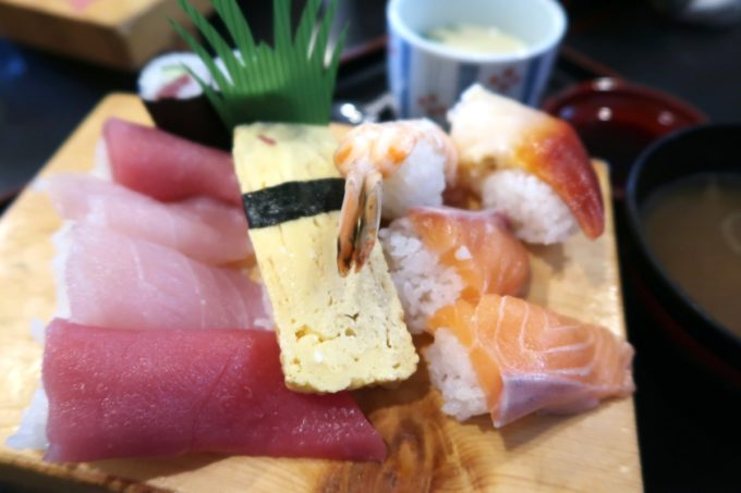 宜野湾「割烹 田舎」のお子様寿司(700円、2020年1月)
