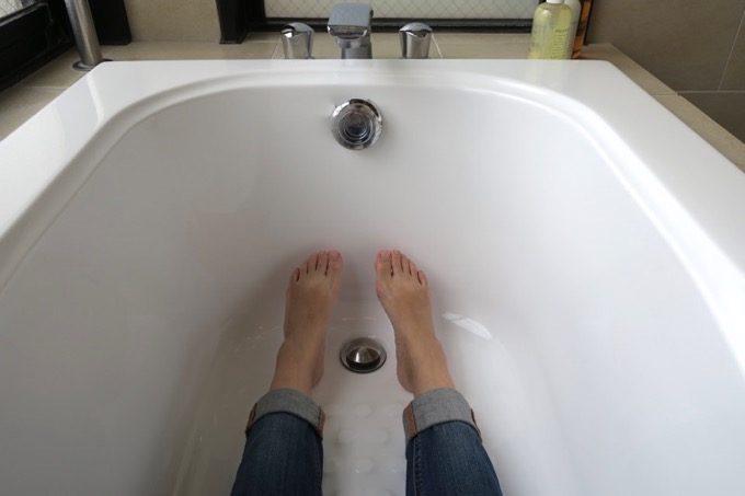 163cmの自分が足を伸ばしても届かない浴槽サイズ。