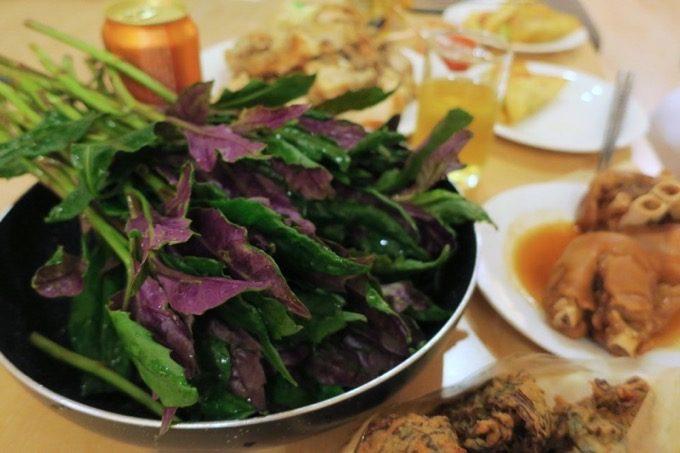 山盛りの島野菜・ハンダマ。