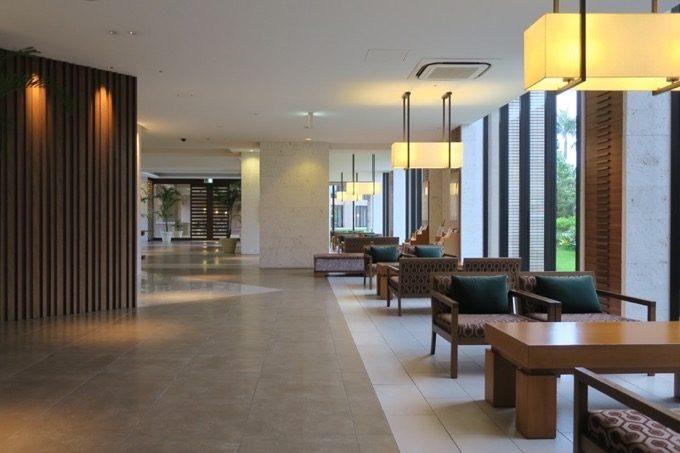 「ムーンオーシャン宜野湾 ホテル&レジデンス」のロビー
