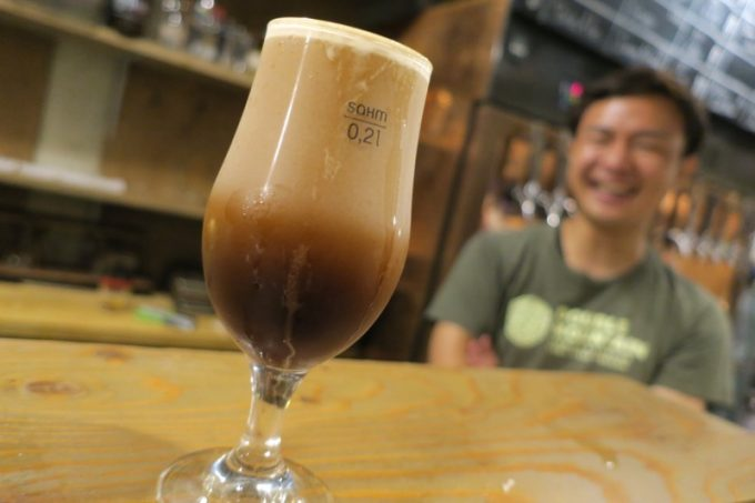 窒素出しのコーヒーのサージング!