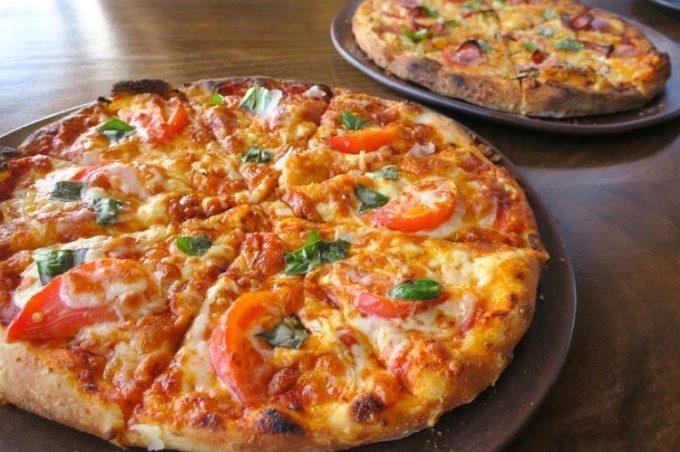 ピザを2種類注文した。