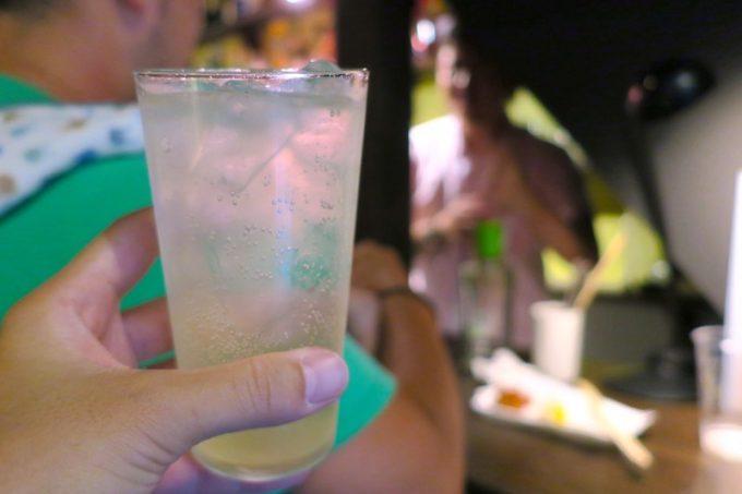 シメは、エデン特急の自家製レモンサワー(800円)
