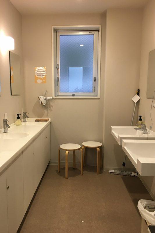 4階の共同洗面所