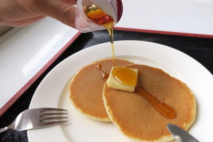 バター1切れとメープルシロップが記憶に残る。