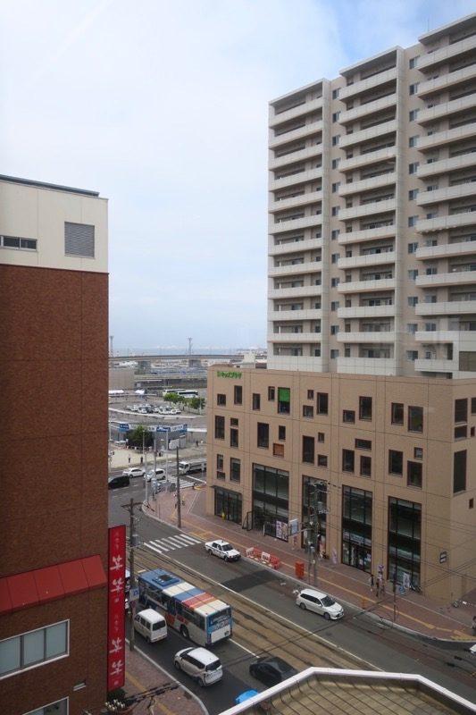レストラン和家からの函館駅前方面の眺め。