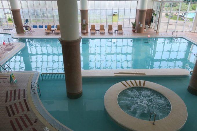 ラグナ〜ガーデンホテルの屋内プール
