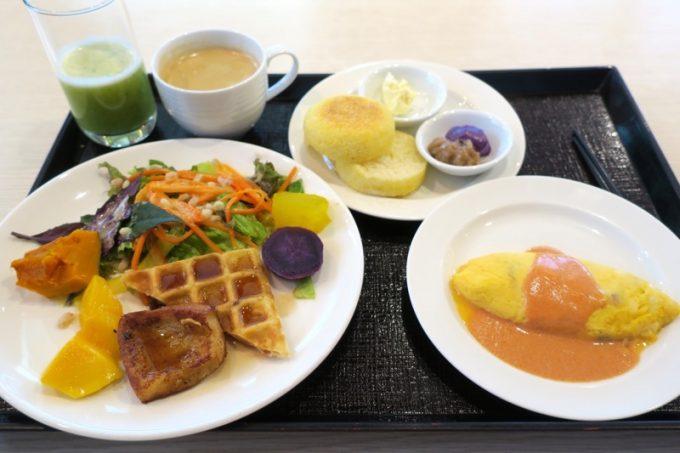 取り分けた朝食(その1)