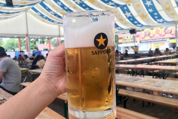 2017年の「さっぽろ大通ビアガーデン」サッポロビール会場のサッポロクラシック(小、550円)