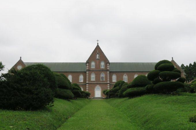 トラピスト修道院の聖堂。女人禁制だ。