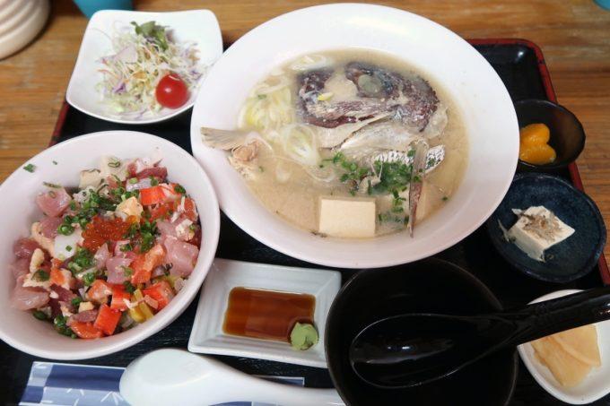 那覇・赤嶺「魚屋直営食堂 魚まる」魚まる定食(1380円)はメイン6種と丼6種から好きなものが選べる