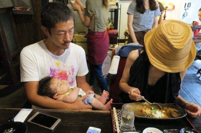 子供のご機嫌伺いをしながら食べるので、同時に食べ終わることがないのが育児世代というもの。