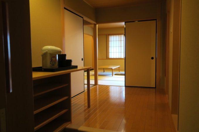 吉祥閣2階の端雲11という部屋に滞在した。