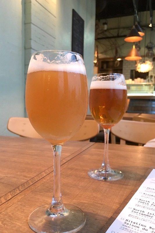 ニセコビールの向日葵(Sサイズ、580円)。おいしいベルジャンエールだった。