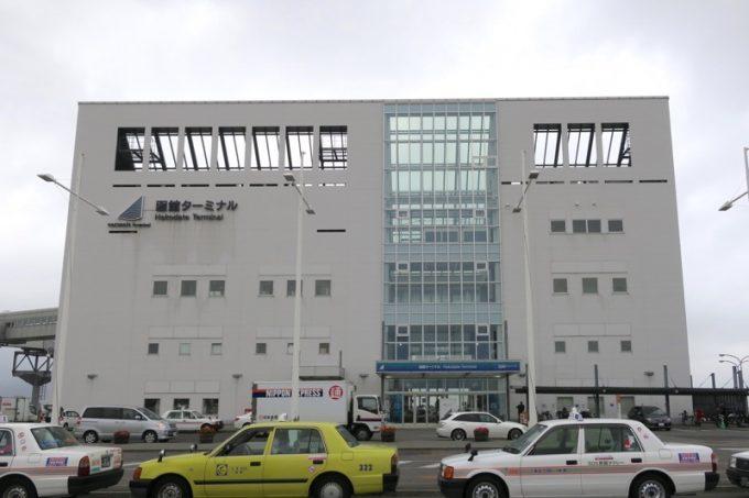 早朝の函館フェリーターミナル