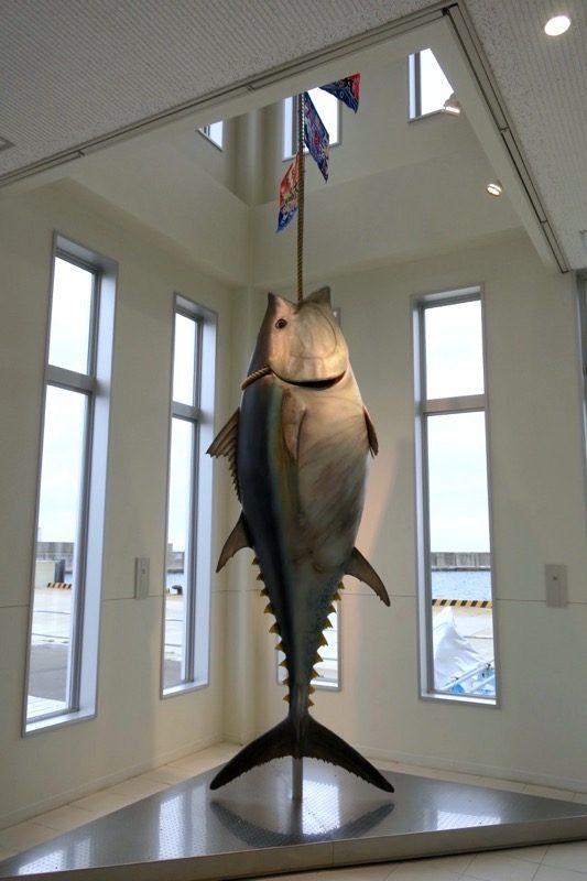 マグロの一本釣りで有名な町なだけあって、こんな展示物も。