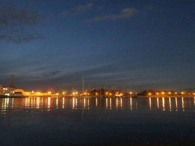函館港の9月のトワイライト