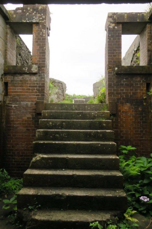千畳敷戦闘指令所の地下から地上へ向かう階段。