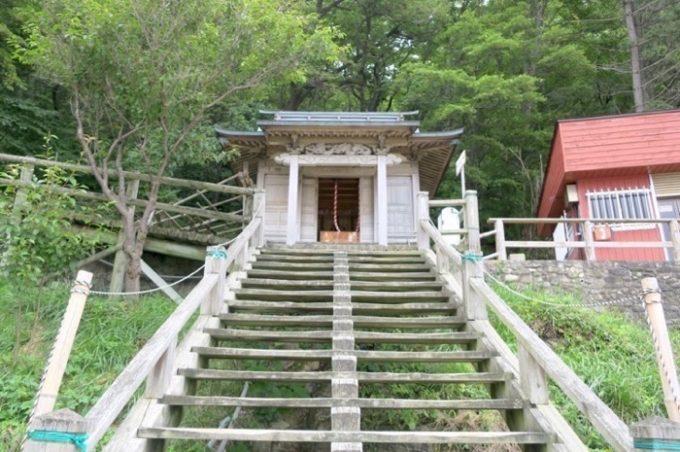 仏ヶ浦にある稲荷神社