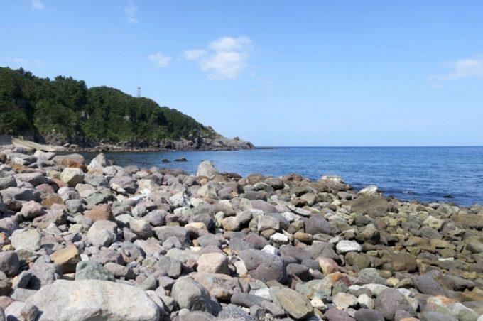 岩場と海岸線が懐かしい。