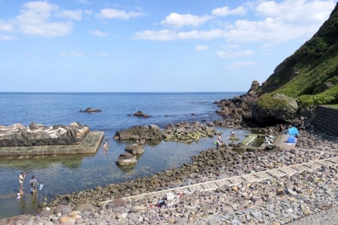 「水無海浜温泉」の天然露天風呂(その1)