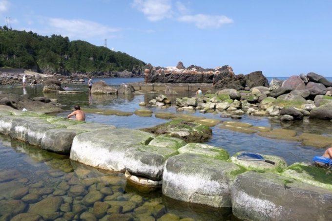 「水無海浜温泉」の天然露天風呂(その4)