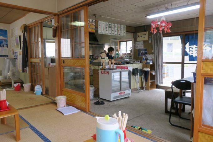 ぬいどう食堂の店内(その1)