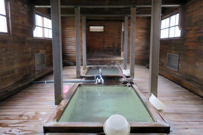 古滝の湯の内部。