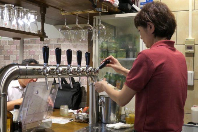 「ビア&ヴルスト ベアレン」のタップ数は6つ。全てベアレン醸造所のビールが繋がっている。