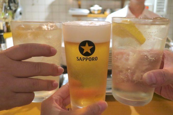 ビールはサッポロ黒ラベル(500円)。