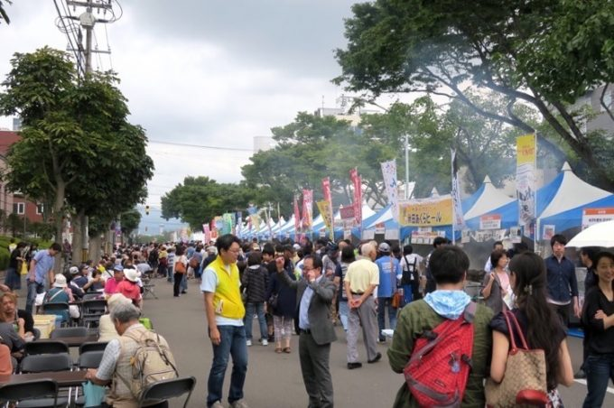 「はこだてグルメサーカス2017」の、函館と東北6県、埼玉・北関東のひろば