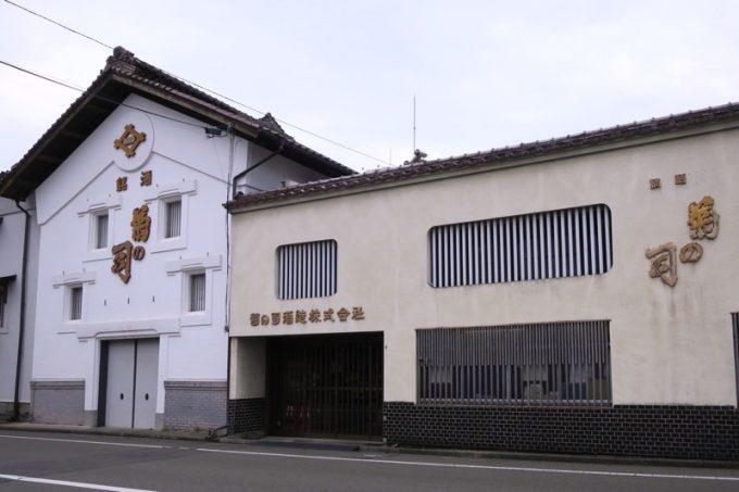 「平興商店」の目の前にある造り酒屋「菊の司酒造」は、親戚筋だそうだ。