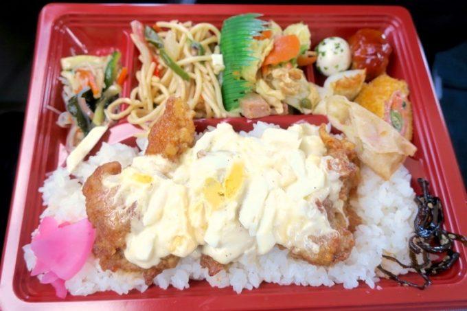 「弁当とそば まんま家」のチキン唐揚げのタルタル(430円)