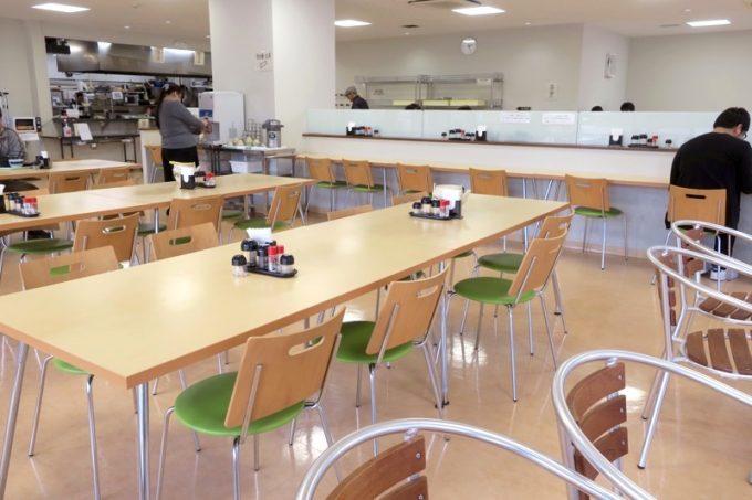 「那覇市役所本庁舎レストラン」の店内(その2)