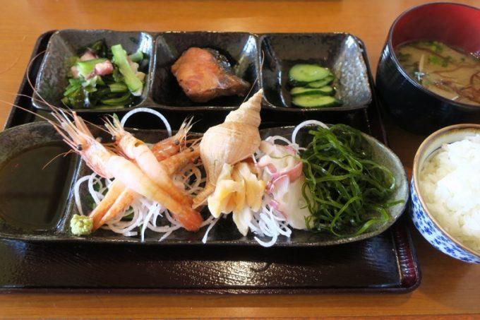 「麺お食事処 菜の花」の本日の浜定食(1000円)