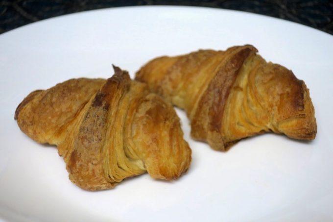 「おおば製パン」のクロワッサン(1個180円)