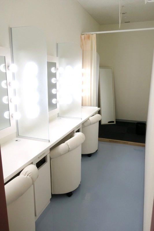 女性トイレ内にあるパウダールーム