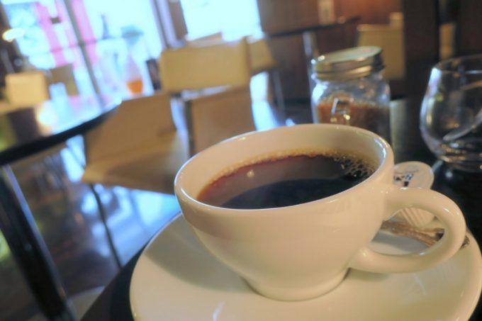 大門店ではソフトクリームの販売時間が過ぎていたため、ブレンドコーヒー(400円)をいただいた。