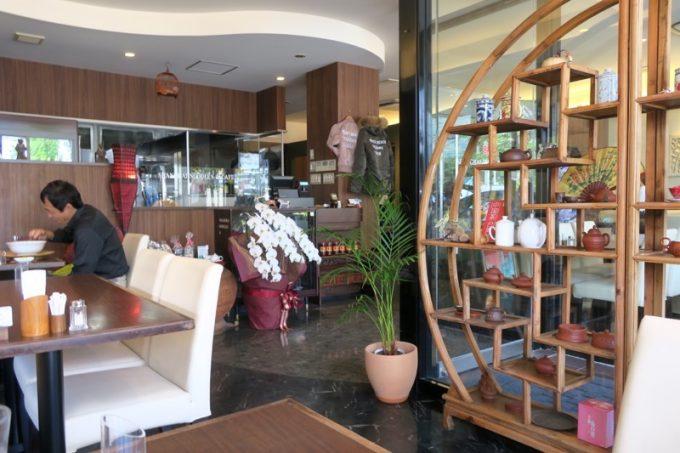 「上海ヌードル&カフェ珊(さん)」の店内