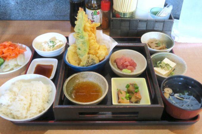 「めし処 月の魚」の姫膳(950円)