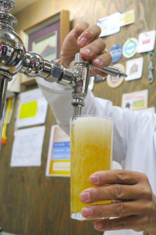 「ビールスタンド重富」では、昭和40年代まで主流だったスイングカランを採用している。