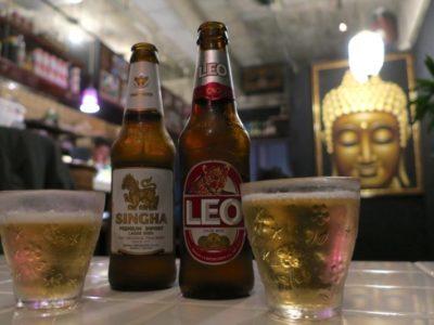 那覇・栄町「chill out(チルアウト)」のタイビールで乾杯。シンハーもリオも1本680円。