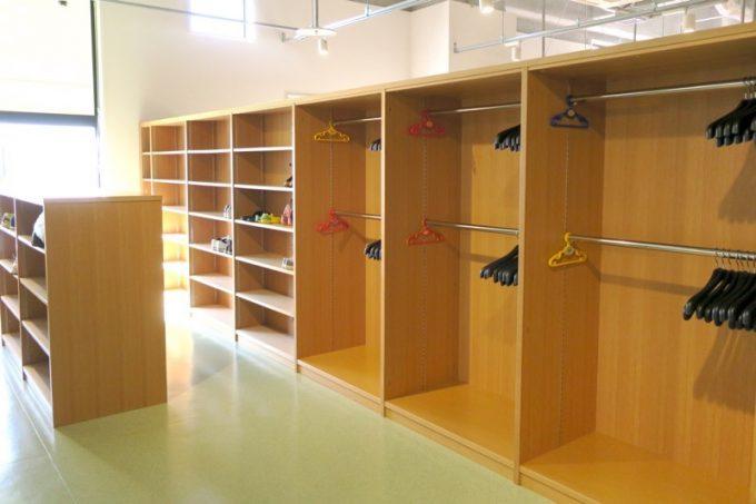 靴箱やコート収納も設置している。